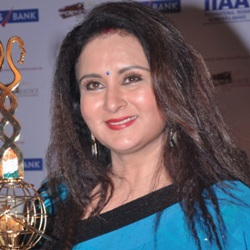 Poonam Dhillon Biography, Age, Husband, Children, Family, Caste, Wiki & More
