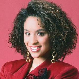 Karyn Parsons Biography, Age, Height, Weight, Family, Wiki & More