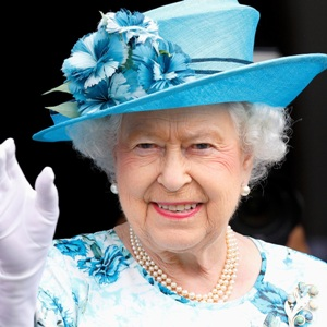 Queen Elizabeth II Biography, Age, Coronation, Facts, Monarchical Journey, Family & More