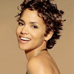 Halle Berry Age, Height, Weight, Ex-Husbands, Family, Wiki & More