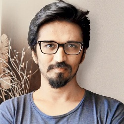 Amit Trivedi Biography, Age, Wife, Children, Family, Caste, Wiki & More