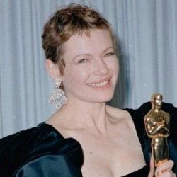 Dianne Wiest Biography, Age, Height, Weight, Family, Wiki & More