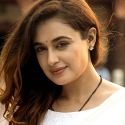 Yuvika Chaudhary Biography, Age, Height, Weight, Boyfriend, Family, Wiki & More
