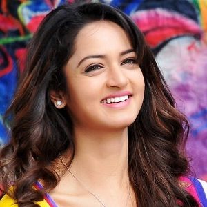 Shanvi Srivastava Biography, Age, Height, Weight, Boyfriend, Family, Wiki & More