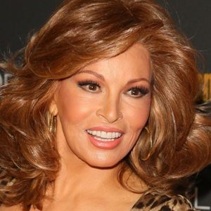 Raquel Welch Biography, Age, Height, Weight, Family, Wiki & More