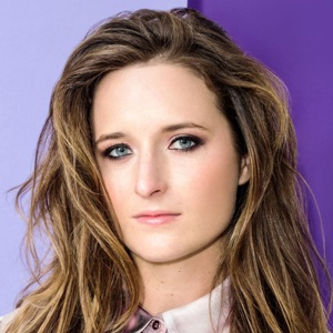 Grace Gummer Biography, Age, Height, Weight, Family, Wiki & More