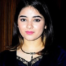 Zaira Wasim (Actress) Biography, Age, Height, Weight, Boyfriend, Family, Caste, Wiki & More