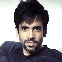 Tusshar Kapoor Biography, Age, Height, Weight, Girlfriend, Family, Wiki & More
