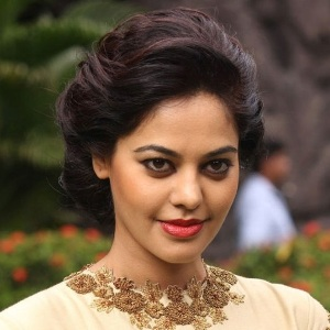Bindu Madhavi Biography, Age, Height, Weight, Boyfriend, Family, Wiki & More