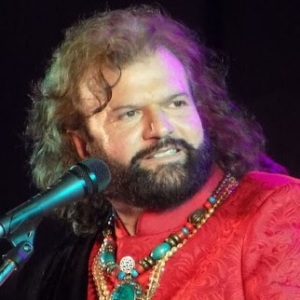 Hans Raj Hans Biography, Age, Wife, Children, Family, Caste, Wiki & More
